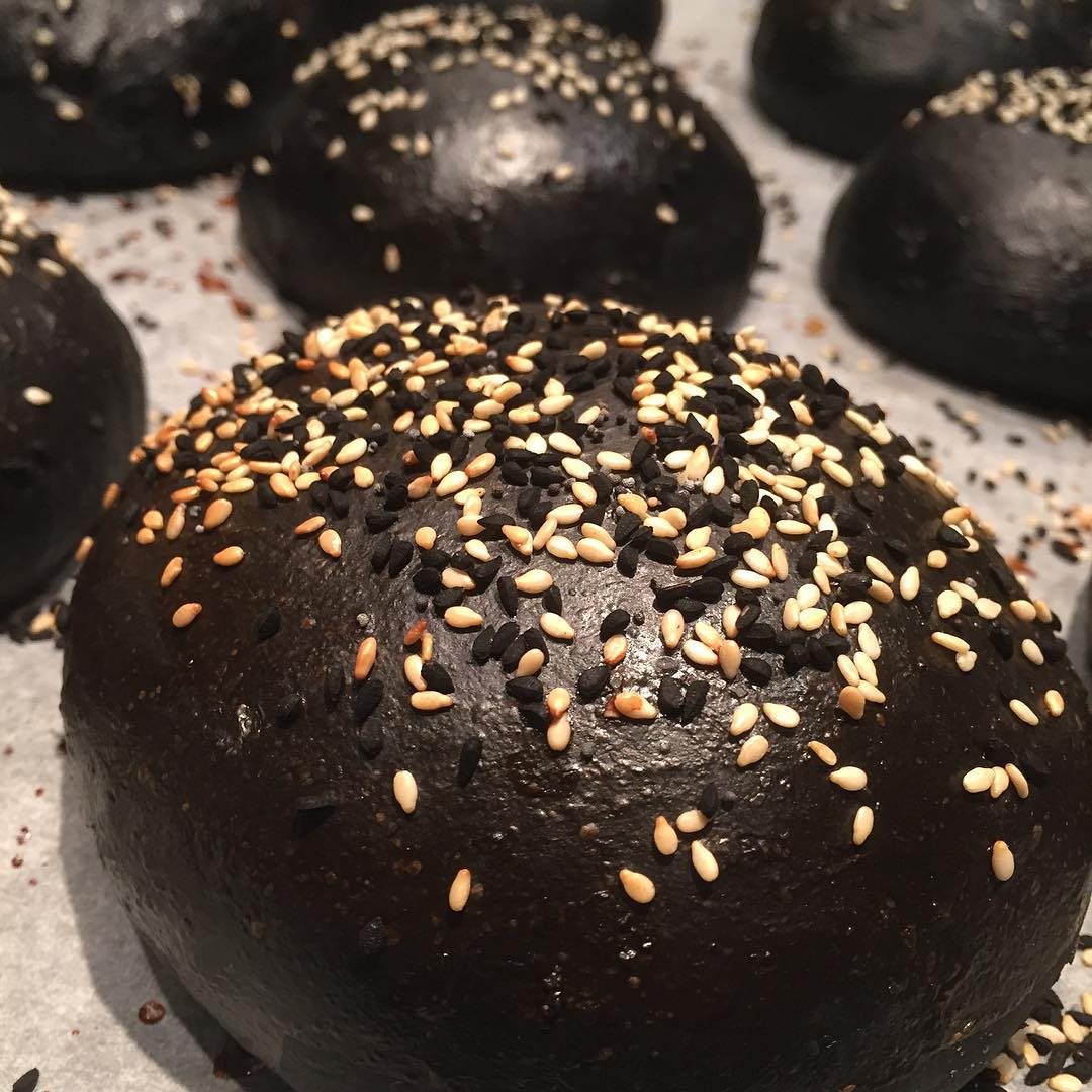 Black Burger Bun – schwarze Hamburgerbrötchen