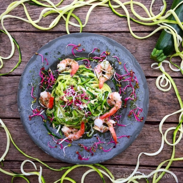 Zoodels – Zucchininudeln mit Shrimps