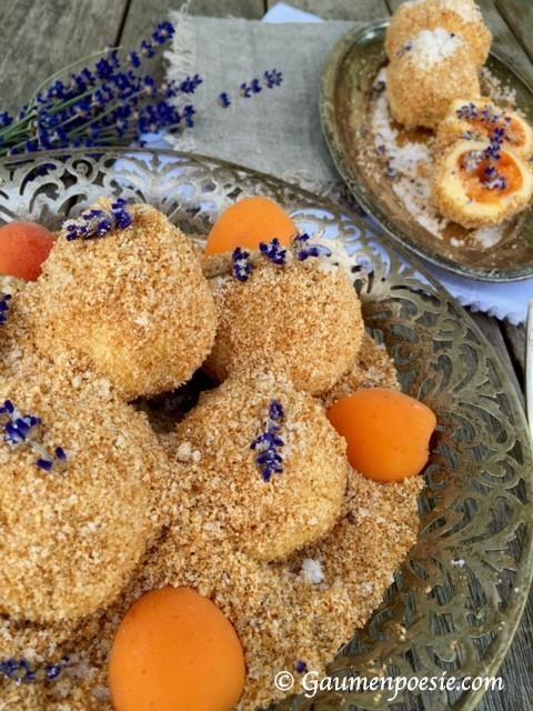 Marillenknödel mit Lavendelzucker