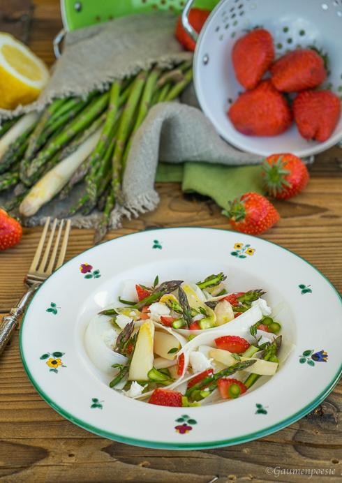 Spargelsalat mit Erdbeeren und Schafskäse 1
