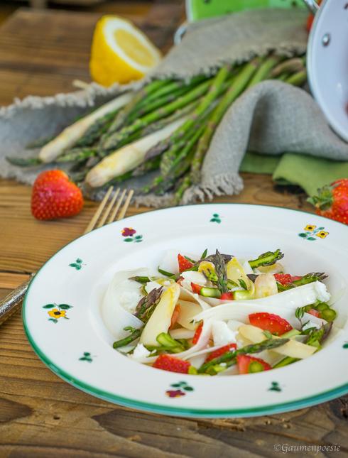 Spargelsalat mit Erdbeeren und Schafskäse 3