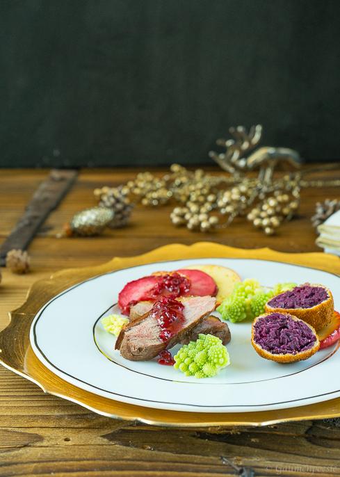 Entenbrust mit gebackenen Rotkohl-Knödeln 1