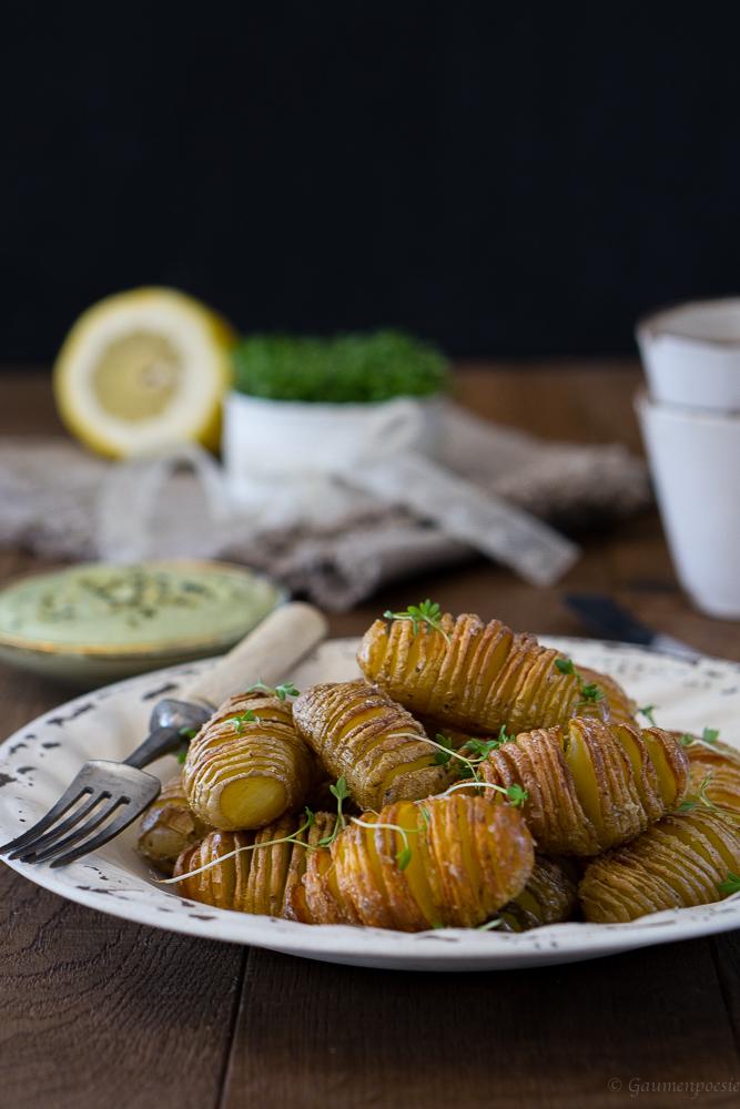 Hasselback Potatoes mit eifreier Kürbiskernöl Mayonnaise