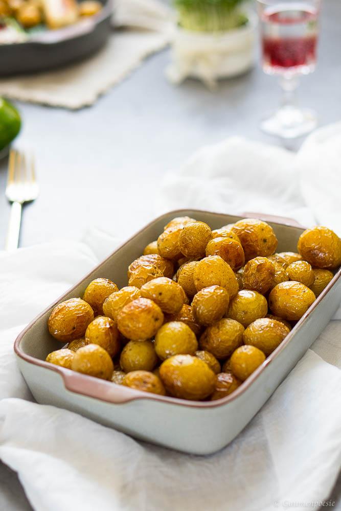Kalbsbratwurst mit Schnittlauchöl, gegrillten Radieschen und Bratkartoffeln 2