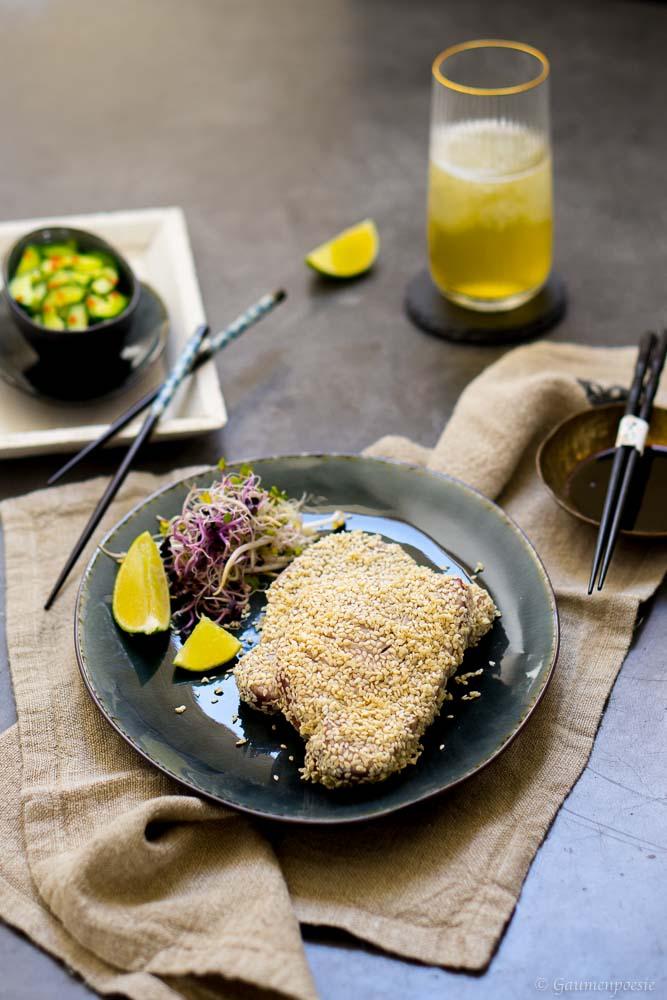 Gegrillter Sesam-Thunfisch mit asiatischem Gurkensalat 3